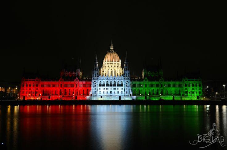 Parlament tricolor, #parlament, #budapest