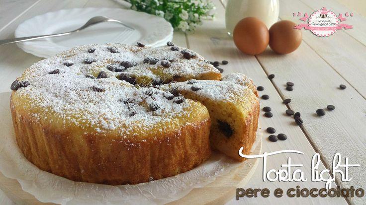 Torta light pere e cioccolato (133 calorie a fetta)