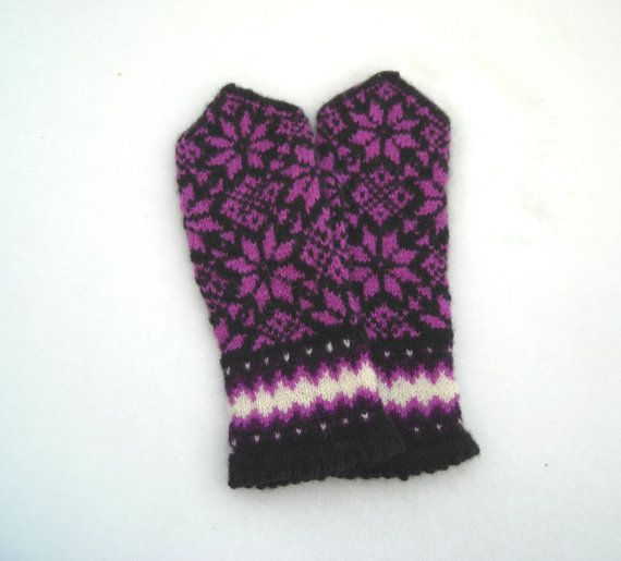 Knitted latvian mittens wool mittens patterned by KiddCreative, $43.50