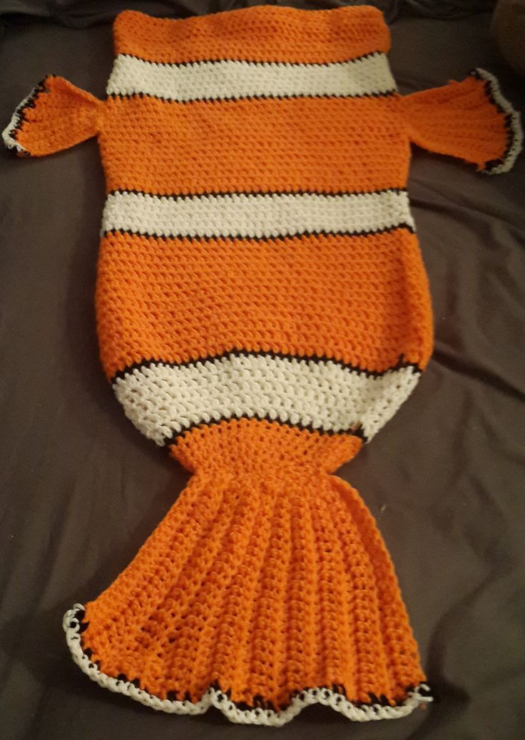 Ravelry: Clownfish (nemo) Cocoon style blanket by Tina Fountain