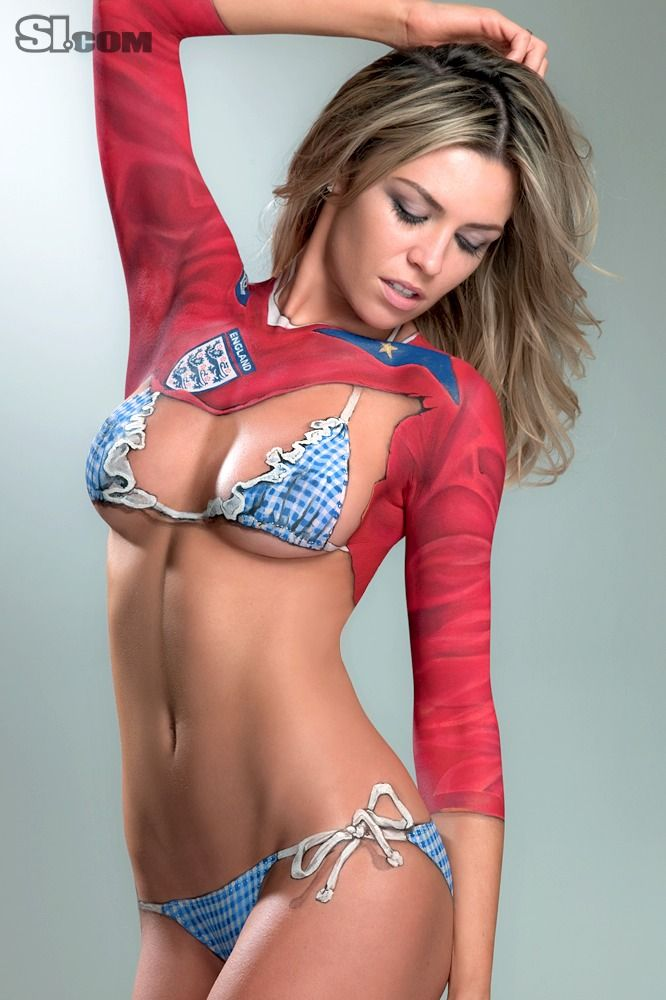 Tiger Woods ex Lindsey Vonn works out in body paint for