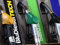 Prezzi carburante: superati tutti i record  Da ferragosto i prezzi del carburante hanno iniziato una pericolosa deriva in salita. Il prezzo del greggio al livello internazionale si sta alzando a causa del rafforzamento del dollaro sull'euro e questo sta avendo ripercussioni immediate sui prezzi alla pompa. Il risultato...