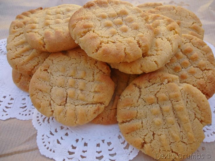 Peanut butter biscuits www.lexiscrumbs.com