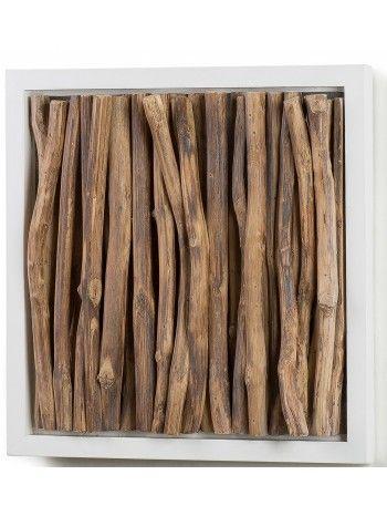 Un mosaico di tronchi in legno tropicale, contornato da una gradevole cornice in legno bianco. Racchiude tutta la purezza e la semplicità di arredare con complementi della natura.