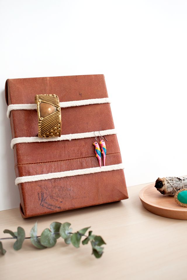 DIY Leather & Rope Jewelry Organizer - How-To-Sday | ShrimpSaladCircus