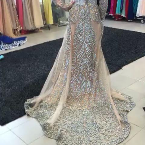 La boutique de caftan au Maroc vous propose la vente de caftan marocain moderne et traditionnel pour vos évènements un style complet à un prix raisonnable pour mariage et soirée, voir les meilleurs caftans disponibles à travers les images ci-dessus....Savoir plus