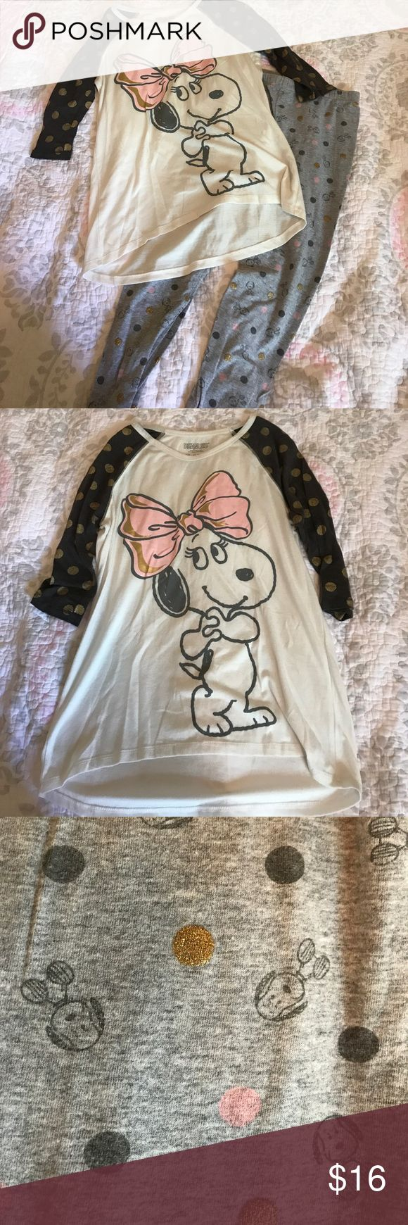 Girls xl Circo peanuts outfit Adorable gently used girls Circo peanuts outfit. Leggings have super cute little snoopy dogs on them 🐶 both girls xl Circo Matching Sets