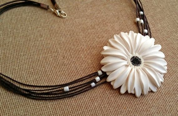 Check out this item in my Etsy shop https://www.etsy.com/listing/229103044/white-gerbera-daisy-necklace-white