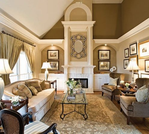 Classic Chic Home: Bringing Home the Gold in Interior Design