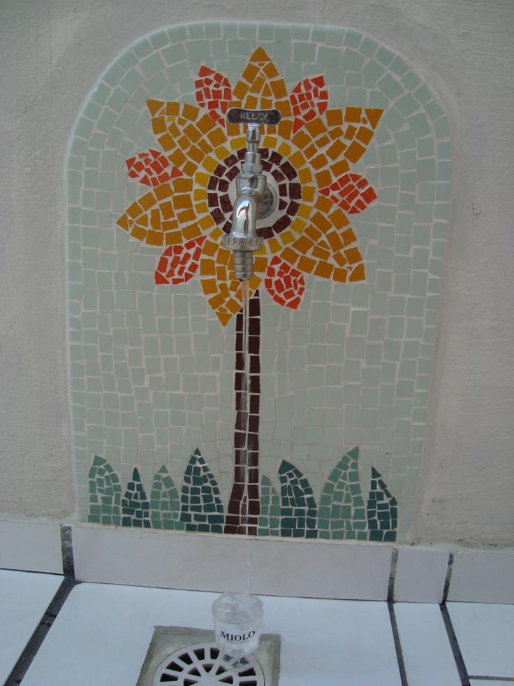 mosaico na torneira