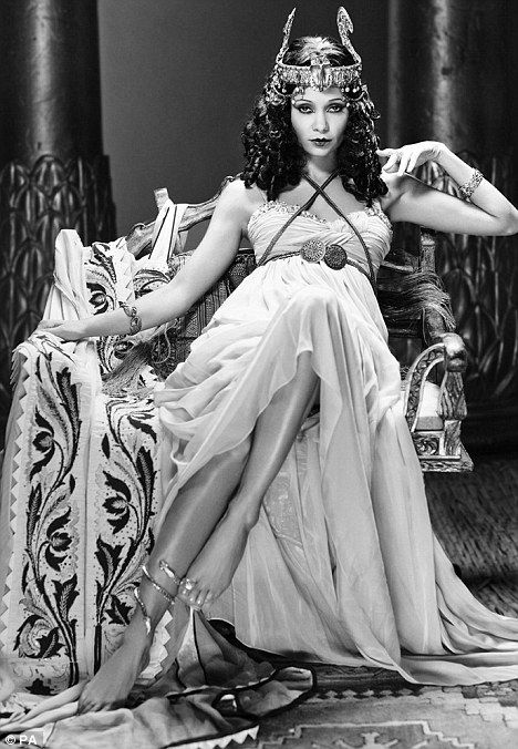 Popular Black and White Movies | Big screen queen: Thandie Newton smoulders as Cleopatra in conjunction ...