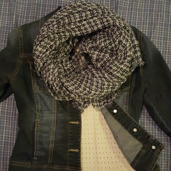 Blue and White Scarf Just in time for fall! Blue and white scarf that goes with everything! Accessories Scarves & Wraps