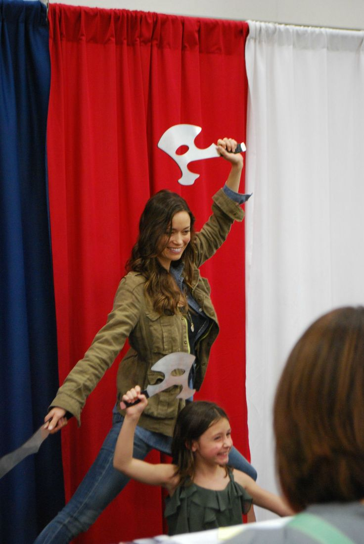 """Summer Glau being an awesome person!"" --- OK. I'm getting tired of saying ""Awww""! But... That is soooo cute! :D River & her little apprentice! ;) :D I'm not sure which of them has the bigger grin! :D"
