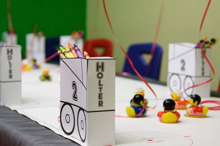 A 3-D Paper Zamboni with pocket for crayons