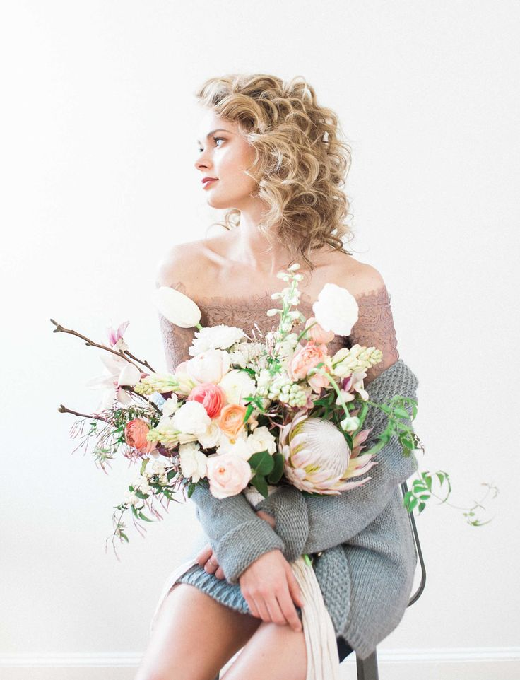 Photography: Shannon Grant | Flowers: Pollen Floral Design | Hair: Kacie Corbelle | Wardrobe Styling: Erin Riley