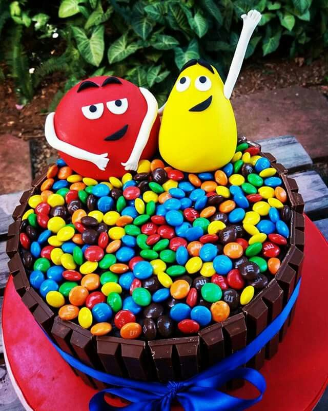 M&m kit kat novelty cake