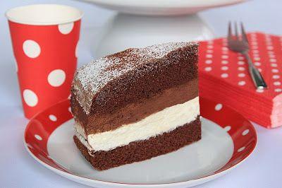 Fehér és étcsokoládé krémes torta