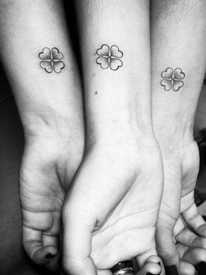 Geschwister-Tattoo: 18 schöne & emotionale Ideen ✓ Bilder-Galerie: Inspiration & Vorlagen ✓ Filigrane & klassische Motive ✓– Alle Tattoo-Ideen jetzt hier »