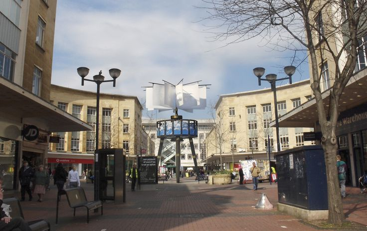 As a innovative landmark for the regeneration of the town centre in Bristol, the Zoetrope, designed by Cod Steaks, commemorates Bristol's pioneering contributions to the moving image and engineering industries.