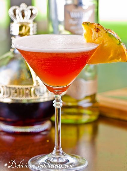 French Martini  Ingredients:  30mls/1 oz Vanilla Vodka  30mls/ 1 oz Chambord  45mls/ 1.5 oz fresh pineapple juice  ice