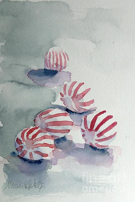 Vain viisi karkkia. Sommitelma ja värinkäyttö tekee niistä hienon kuvan. Punaiset raidat maalattu viimeiseksi. Tausta märkää märälle.