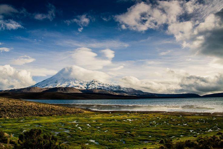 Lago Chungará.  Provincia de Parinacota, Región de Arica y Parinacota, en el extremo norte de Chile.