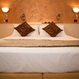 Al Motel il Riposo di Mantova calde camere con luci al LED vi attendono per momenti di passione