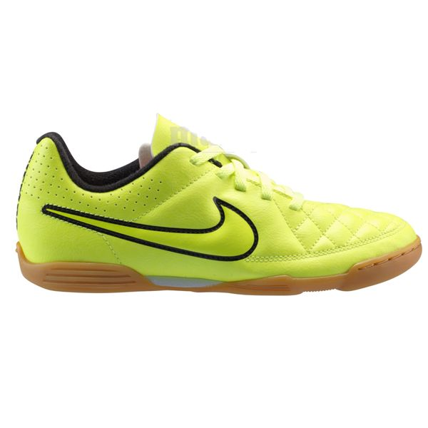 Sepatu Futsal Nike JR Tiempo Rio II IC 631526-770 sepatu ini memberikan kenyamanan ketika berlari. Diskon 20% dari harga Rp 499.000 menjadi Rp 399.000.