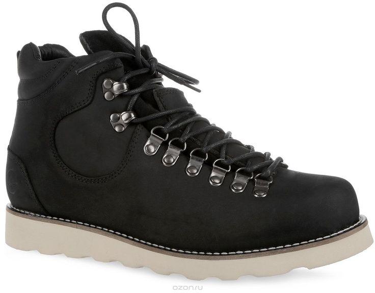 Ботинки мужские Novosibirsk. 003-NS-0003-NS-05N6-WСтильные мужские ботинки от Affex Novosibirsk займут достойное место в вашем гардеробе. Модель выполнена из натурального нубука и дополнена светлой прострочкой вдоль ранта. Верх изделия оформлен шнуровкой, которая надежно фиксирует обувь на ноге и регулирует объем. Отверстия для шнурков из металлических петелек. С задней стороны изделие дополнено наружным ремешком и ярлычком для более удобного надевания обуви. Подкладка и съемная стелька…