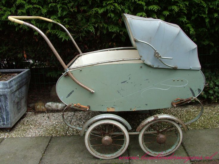 Van Delft tweeling kinderwagen    1955 hebben we zelf ook ingelegen en gebruikt voor onze eigen kinderen...