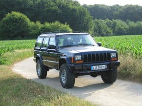 lifted 1997 Jeep Cherokee 4.0 Limited