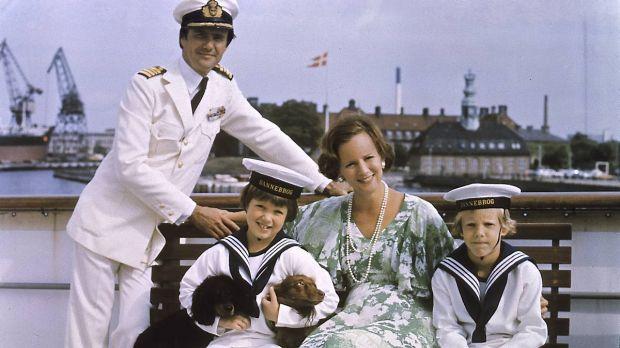 50 Billeder 49 Ar Med Danmarks Kronprins Frederik Billed Bladet Danmark Billeder Min Son