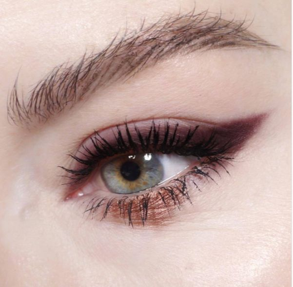 smudged shadow cat eye