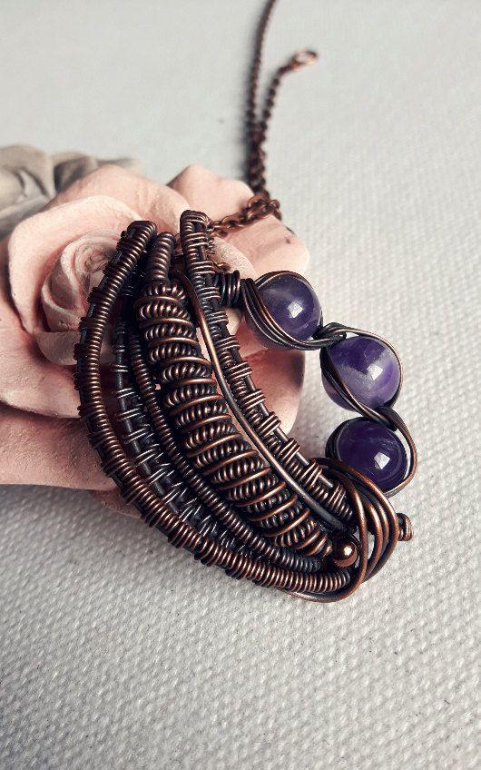 Ciondolo wireart wire weaving con rame ossidato spirale ametista viola  perle industrial fantasy goth gothic dark unico artigianale