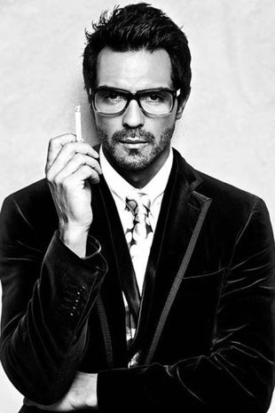 Arjun Rampal (b. 26 Nov 1972) is an Indian film actor, producer, and former Indian supermodel. He is married to former Miss India and supermodel Mehr Jessia - #Bollywood - ♥ Rhea Khan