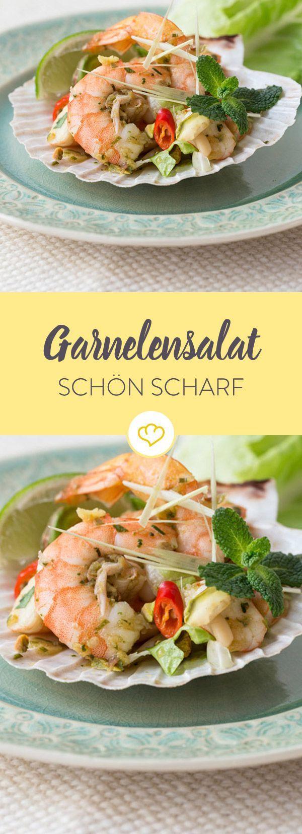 Achtung feurig! Dieser Garnelensalat wird mit reichlich Chili und frischen Kräutern aus Südostasien aufgetischt.