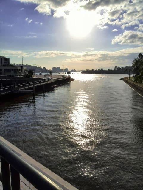 Beautiful Brisbane: 44 Cookham Road: SLIPPING BY ...
