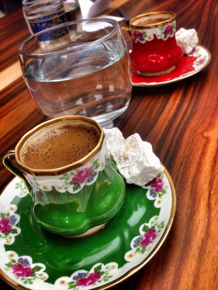 Fincanımızın şekli sebebiyle son yuduma kadar kahvenizi köpüklü içebilirsiniz...