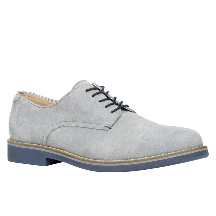 Scarpa chiara da abbinare a pantaloni chiari. Light color shoe to match with light color pants
