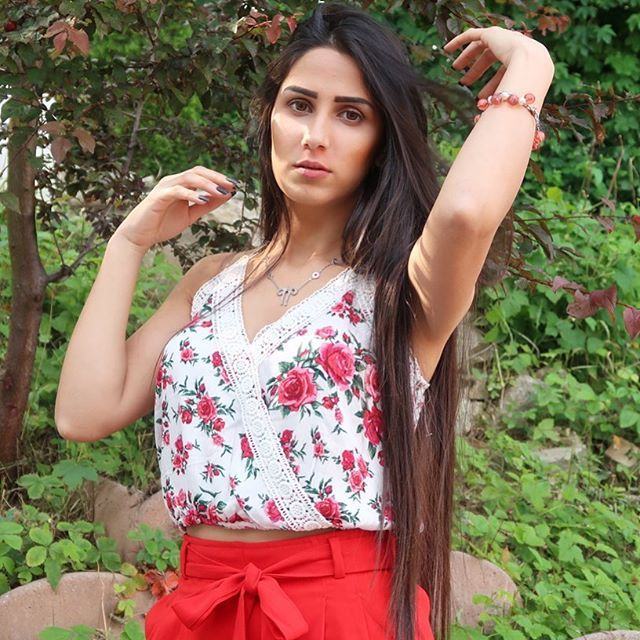 Talin Tube تالين تيوب Talin Tube Instagram Photos And Videos Open Shoulder Tops Floral Tops Dance Videos
