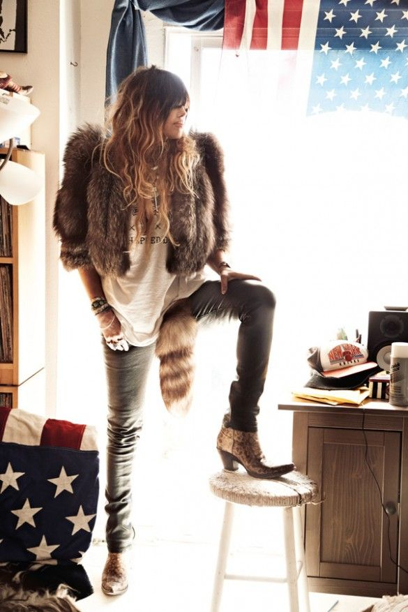 Edgy boho rock chic style. Jennifer Herrema. Love everything about this outfit.