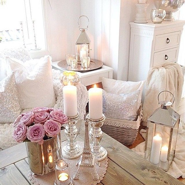 Gorgeous shabby chic room with pink roses