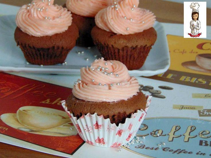 I Cupcake al mascarpone e cioccolato,sono molto belli da vedere,ma allo stesso tempo buonissimi da mangiare...una merenda originale golosa per i grandi e p
