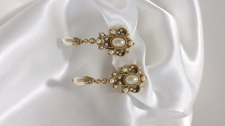 Ornate Pearl Clips Pearl & Gold Clips Romantic Clips Bridal Jewelry Evening Jewelry Prom Jewelry Pearl Clip Drops (22.75 USD) by Donellensvintage
