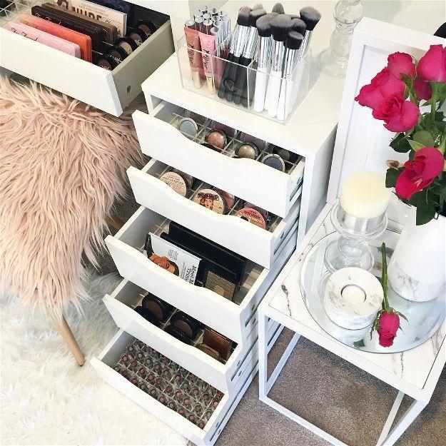 17 Makeup Storage Ideas You'll Surely LovebehancebloglovindribbbleemailfacebookflickrgithubgplusinstagramlinkedinmediumperiscopephonepinterestrsssnapchatstumbleupontumblrtwittervimeoxingyoutubeFacebookGoogle+InstagramPinterestTumblrTwitterYouTube