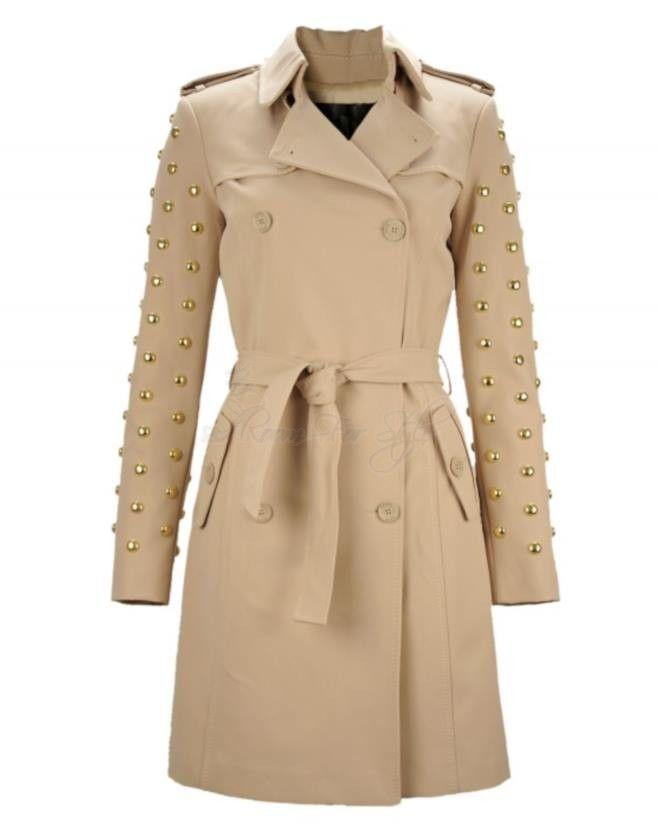 Waterproof jas met prachtige gouden studs op de armen. Denny Rose Italian brand !