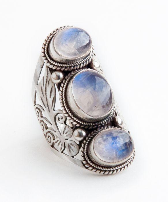 evenstar necklace moonstone - photo #3