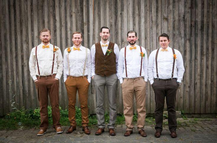 Groom and groomsmen. Bräutigam und Trauzeugen. Vintage. Brown