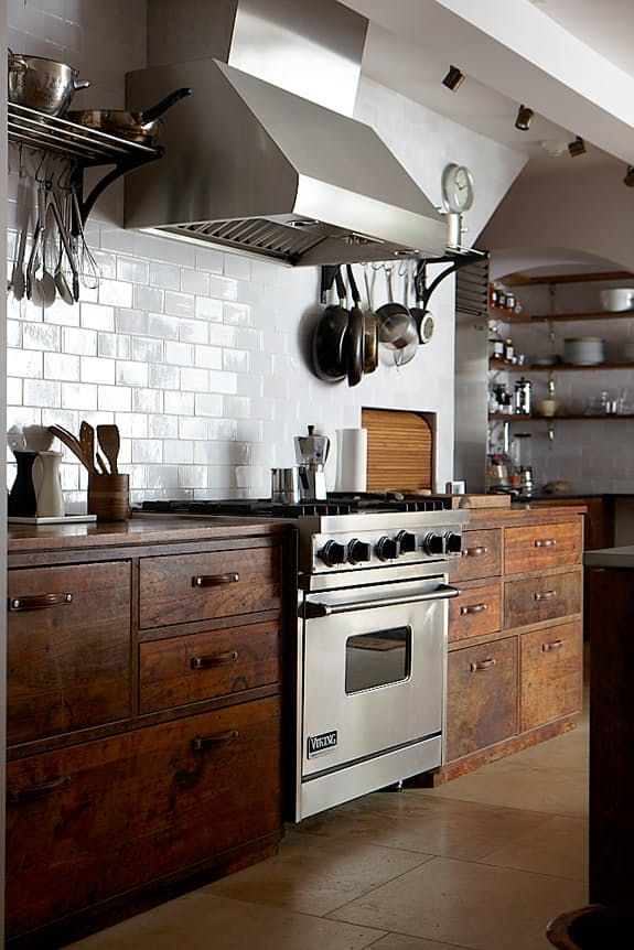 I love the antique look of these wood cabinets. This would be pretty on the pantry wall.
