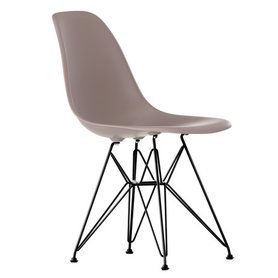 Vitra - Eames Plastic Side Chair DSR (H 43 cm), pulverbeschichtet / mauve grau, Filzgleiter schwarz (Hartboden) von connox